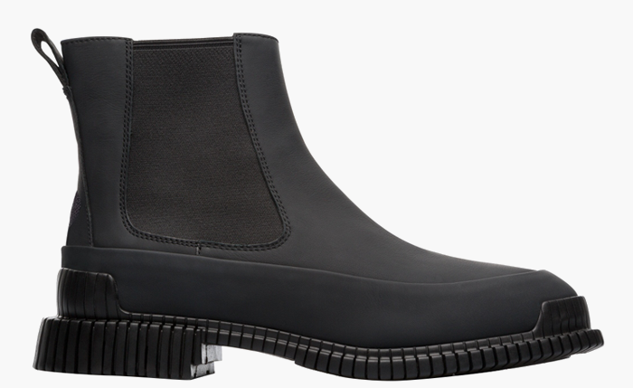 Культовая обувь на холодный сезон: 9 пар от простых до роскошных. Изображение № 8.