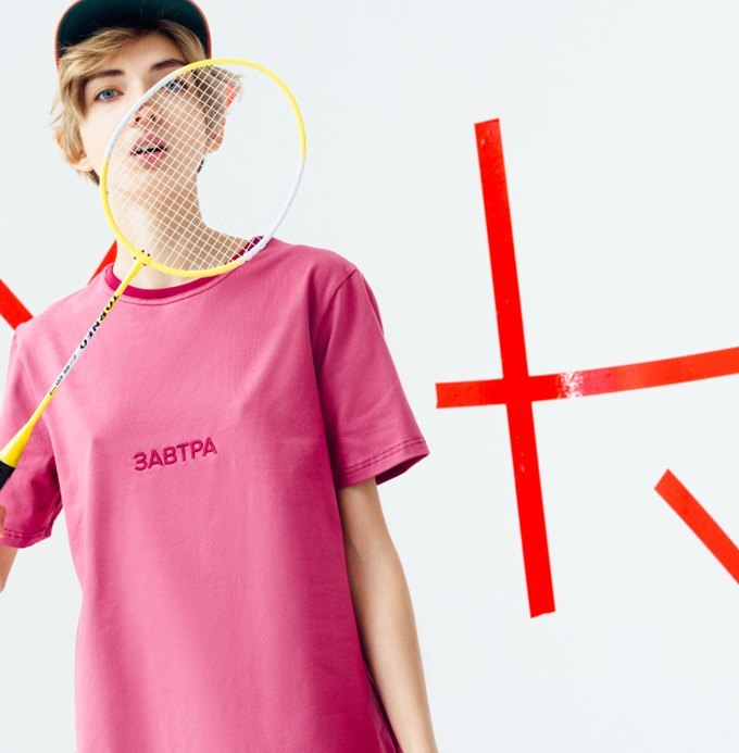 Питерская марка E404: Треники, футболки и худи с надписями. Изображение № 2.