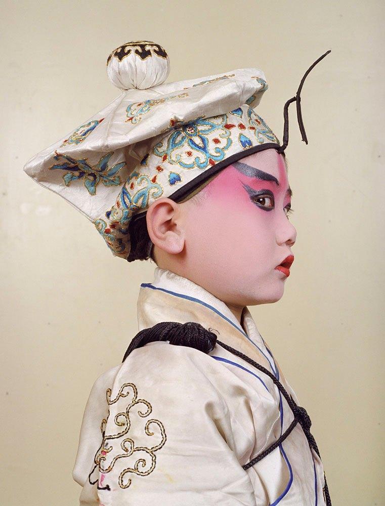 «Opera»: Студенты Пекинской оперы  в традиционных костюмах. Изображение № 5.