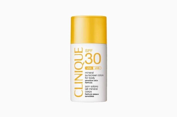 Солнцезащитный минеральный флюид для лица с SPF 30 Clinique Sun. Изображение № 20.