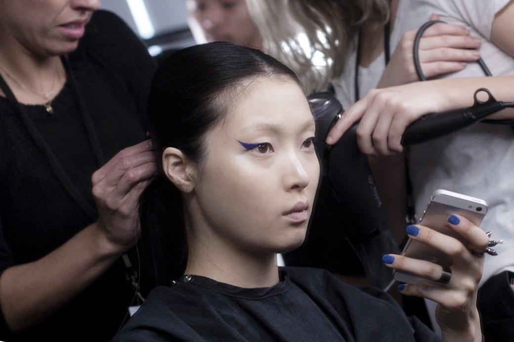 Paris Fashion Week FW 14: Бэкстейдж показа Kenzo. Изображение № 2.