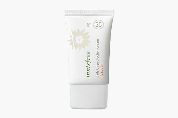 Матирующий солнцезащитный крем Innisfree Daily UV Protection Cream No Sebum SPF35/PA+++, 1535 руб.. Изображение № 7.
