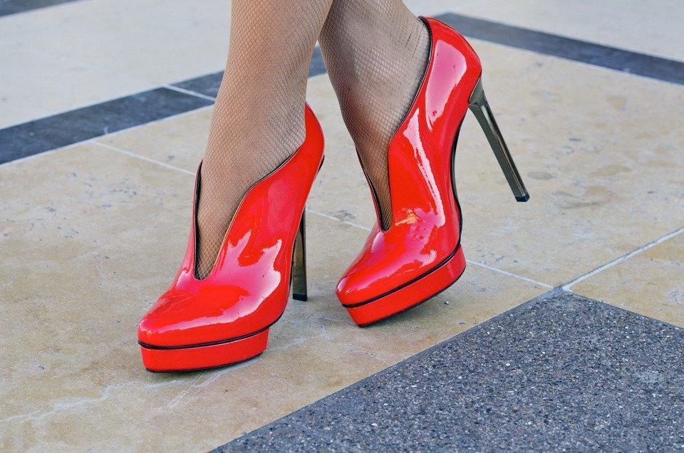 Парень в камуфляже, девушка-Микки-Маус и другие гости Paris Fashion Week. Изображение № 33.