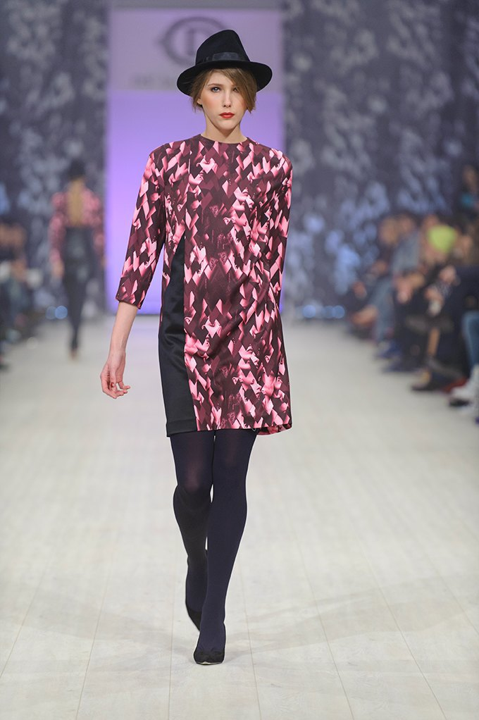 Показ DS'Dress by Alyonova на Ukrainian Fashion Week . Изображение № 12.