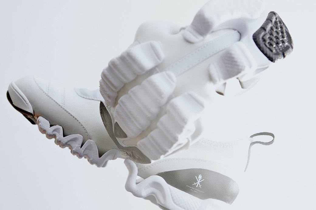 Ревизия:  Белые кроссовки. Изображение № 5.