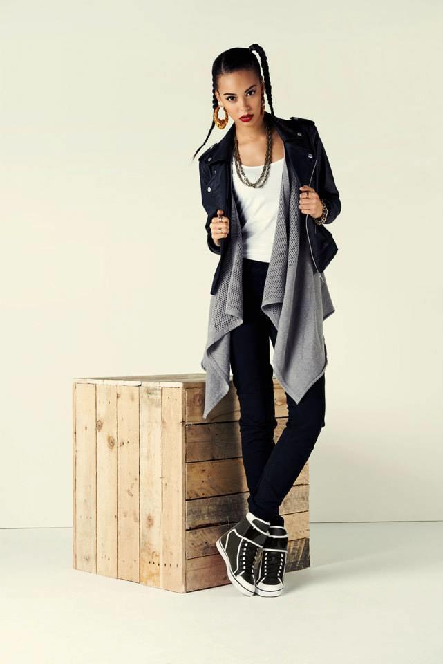 Новый лукбук Adidas Originals — в стиле вогинг. Изображение № 2.