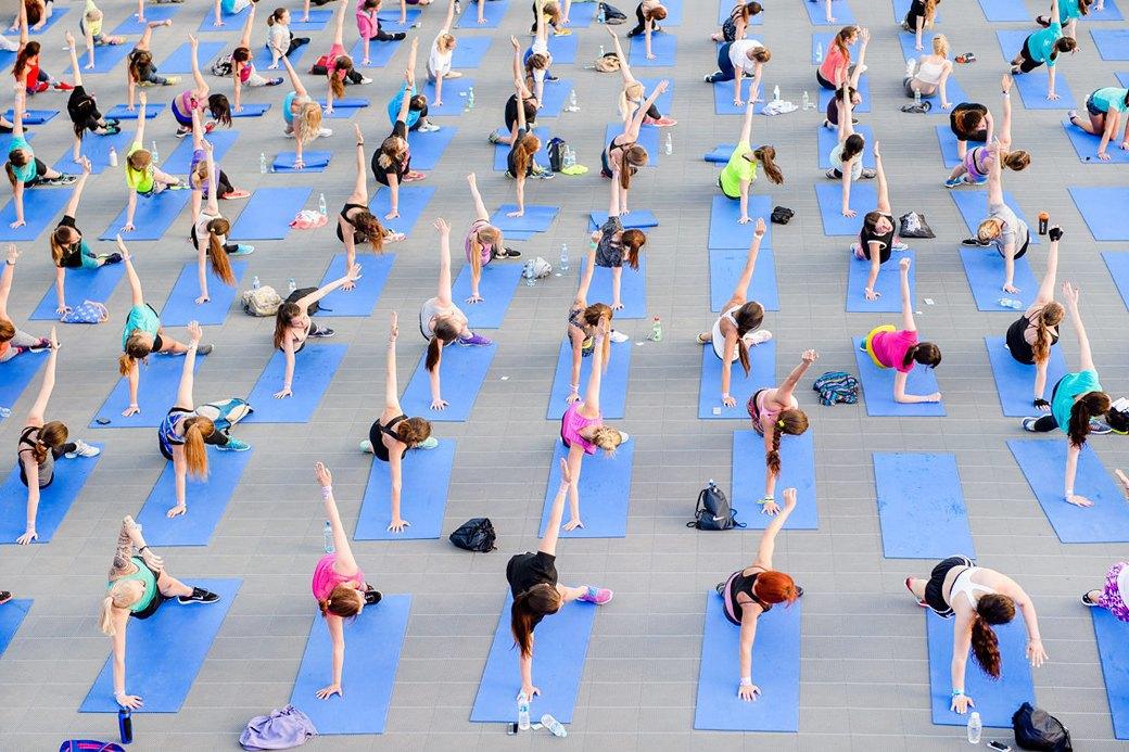Фитнес-рейвы: Главный спортивный тренд лета. Изображение № 3.