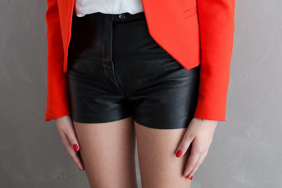 Гардероб: Катя Бутко, блогер и создатель  винтажного магазина. Изображение № 30.