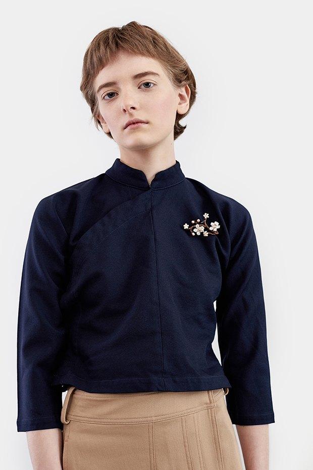 Нежный возраст:  Блузы и рубашки  с высоким воротом. Изображение № 7.