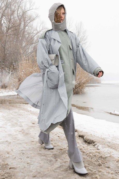 Балаклавы, шлемы и капюшоны: Остромодные аксессуары для непогоды. Изображение № 4.