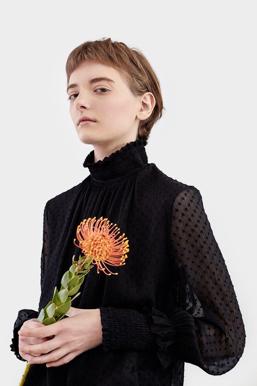Нежный возраст:  Блузы и рубашки  с высоким воротом. Изображение № 12.