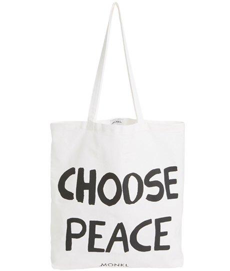 Ношу с собой: 10 сумок-шоперов от простых до роскошных. Изображение № 6.