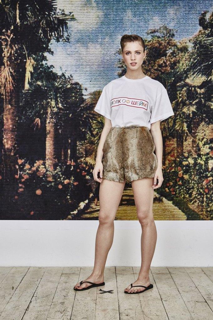Пижамы, сетка и «Интурист» в новом лукбуке Walk of Shame. Изображение № 11.