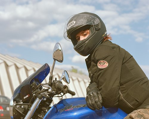 Я и друг мой мотоцикл: Девушки о мотоспорте  и своих байках. Изображение № 3.
