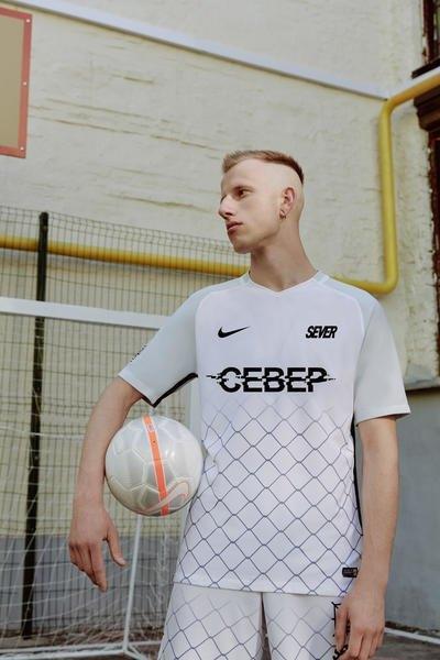 Nike сделали первую коллекцию с российскими дизайнерами. Изображение № 4.