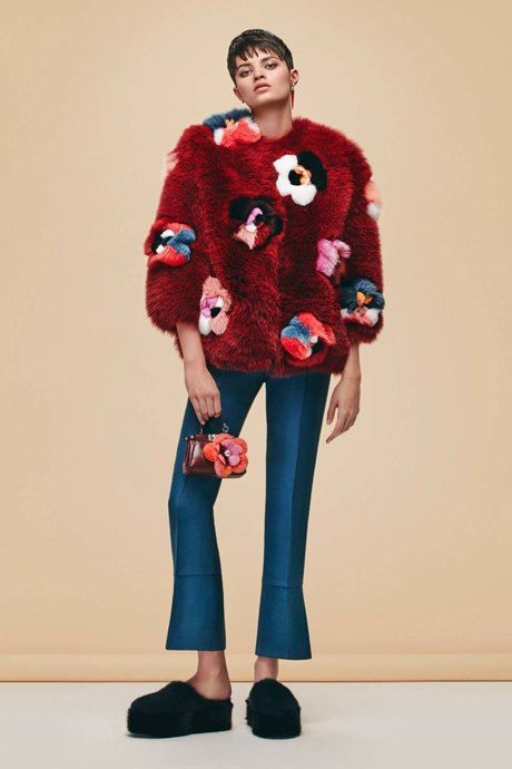 Что носить зимой:  10 модных образов  для холодной погоды. Изображение № 19.