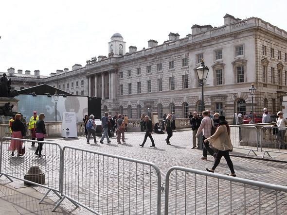 London Fashion Week: Репортаж с первого дня. Изображение № 2.