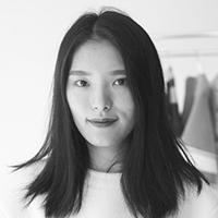 Andrea Jiapei Li: Женская одежда с намеком  на бандаж и оригами. Изображение № 3.