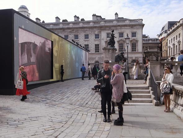 London Fashion Week: Репортаж с первого дня. Изображение № 4.