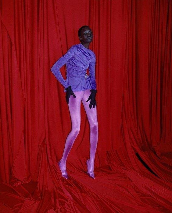 Харли Вейр сняла фетишистскую кампанию для Balenciaga. Изображение № 1.