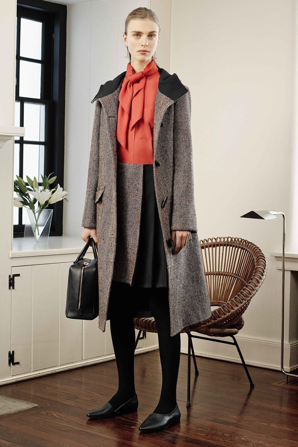 Что носить в офис: 8 осенних образов  в деловом стиле. Изображение № 5.