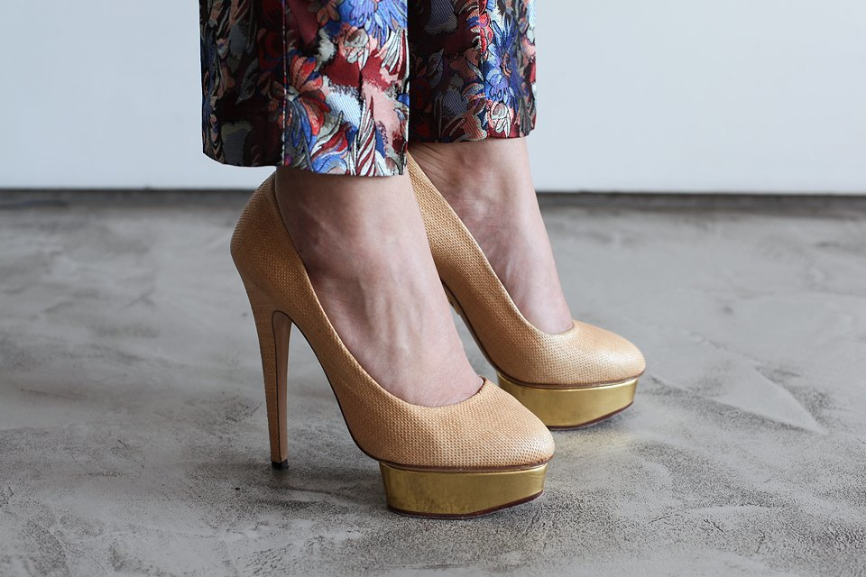 Гардероб: Катя Бутко, блогер и создатель  винтажного магазина. Изображение № 18.