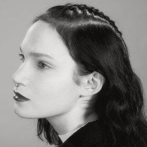 Модные причёски  из 90-х для волос  разной длины. Изображение № 16.