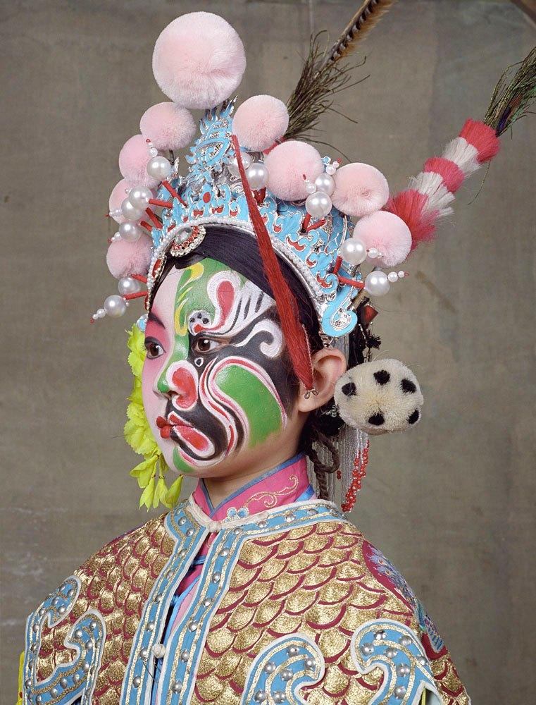 «Opera»: Студенты Пекинской оперы  в традиционных костюмах. Изображение № 6.