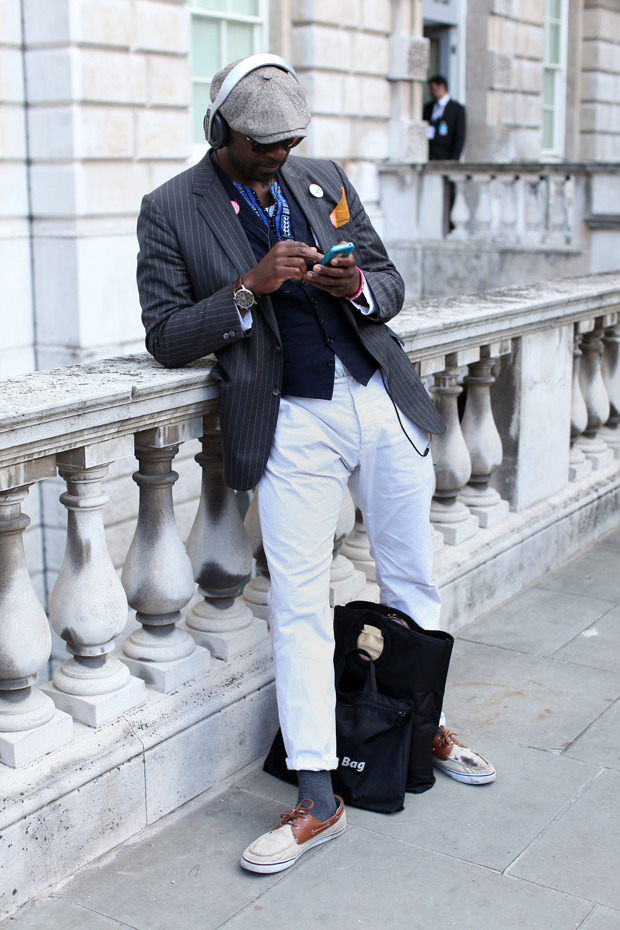 Streetstyle: Неделя моды в Лондоне, часть 1. Изображение № 45.
