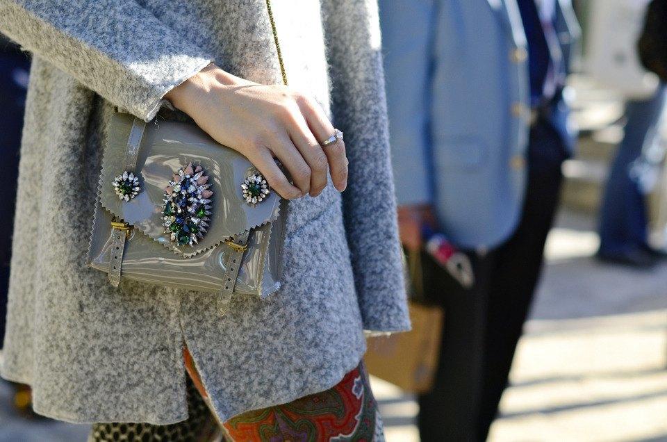 Парень в камуфляже, девушка-Микки-Маус и другие гости Paris Fashion Week. Изображение № 16.