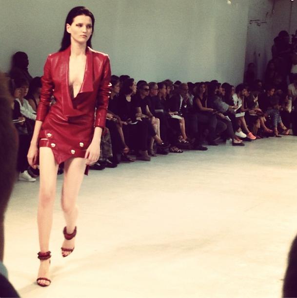 Прямой репортаж  с Paris Fashion Week:  День 1. Изображение № 18.