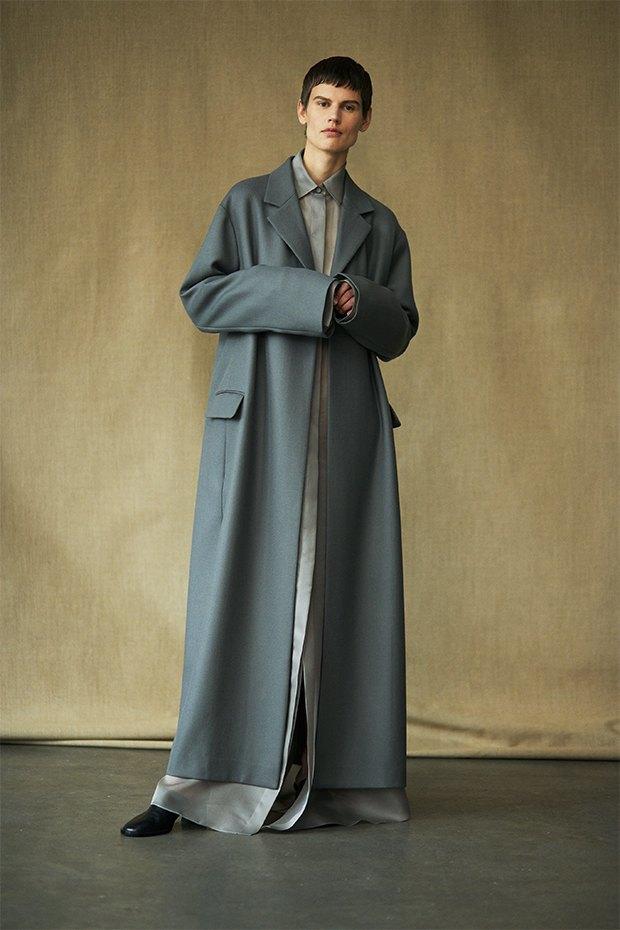 Саския де Брау в лукбуке новой коллекции The Row. Изображение № 16.