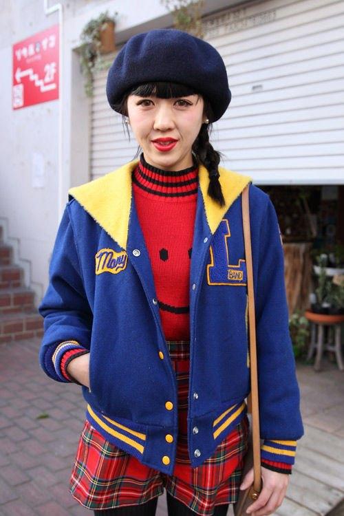 Красные шапки и бархатные ботинки на улицах Токио. Изображение № 30.