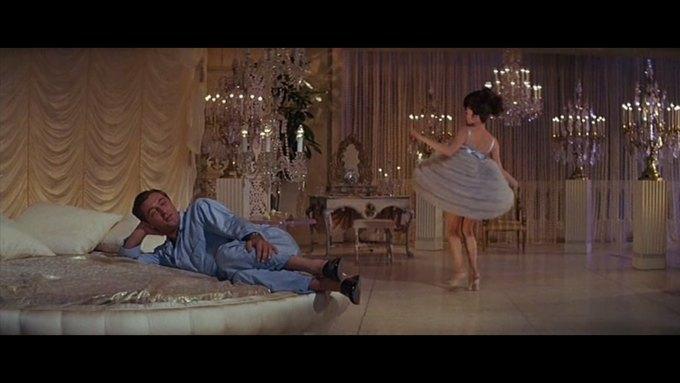 Что можно узнать о стиле  из комедии 60-х  «Что за путь!». Изображение № 21.