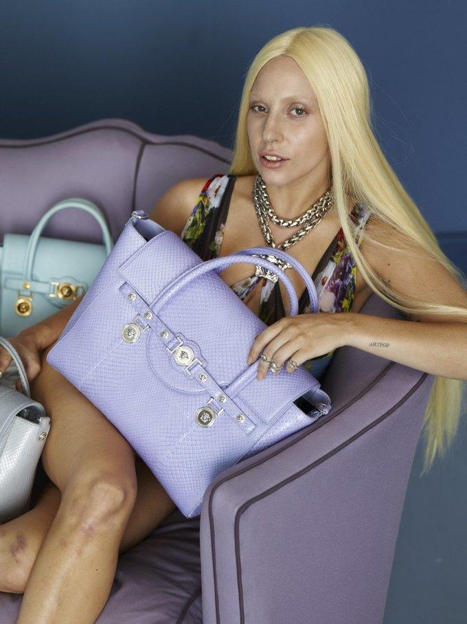 Кампания Versace с Леди Гагой до фотошопа. Изображение № 2.