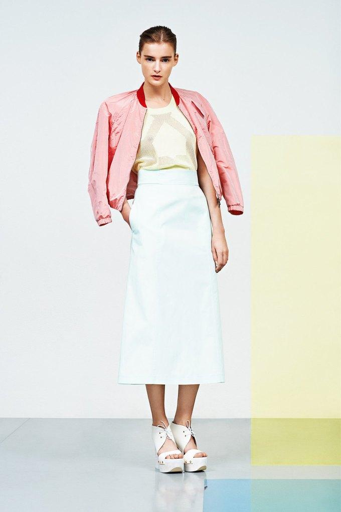 Розовые бомберы и белые костюмы в новой коллекции Jil Sander Navy . Изображение № 3.