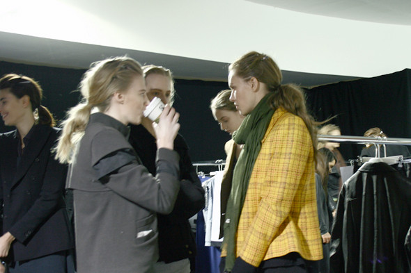 London Fashion Week: бэкстейдж показа Acne. Изображение № 9.