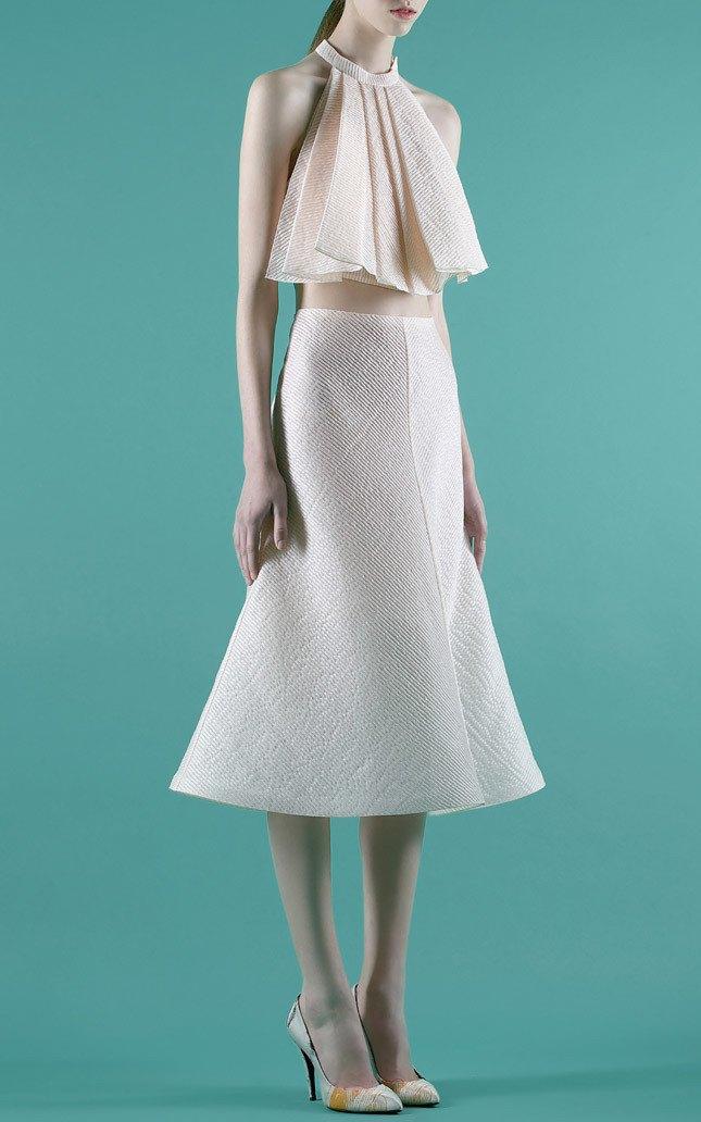Шелковые пальто и платья с фламинго в новом лукбуке Vika Gazinskaya. Изображение № 3.