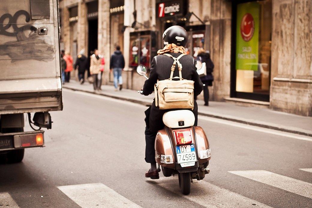 Люди на улицах Рима. Изображение № 19.