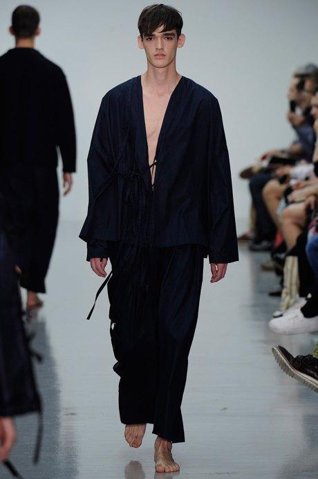 Дай поносить: 10 модных мужских нарядов, которые хочется отобрать. Изображение № 3.