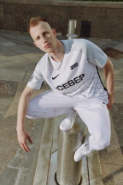 Nike сделали первую коллекцию с российскими дизайнерами. Изображение № 3.