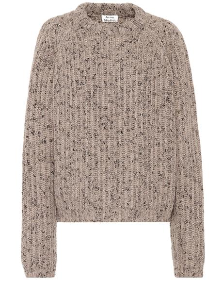 Тепло и уютно: 10 свитеров с щедрой скидкой. Изображение № 9.