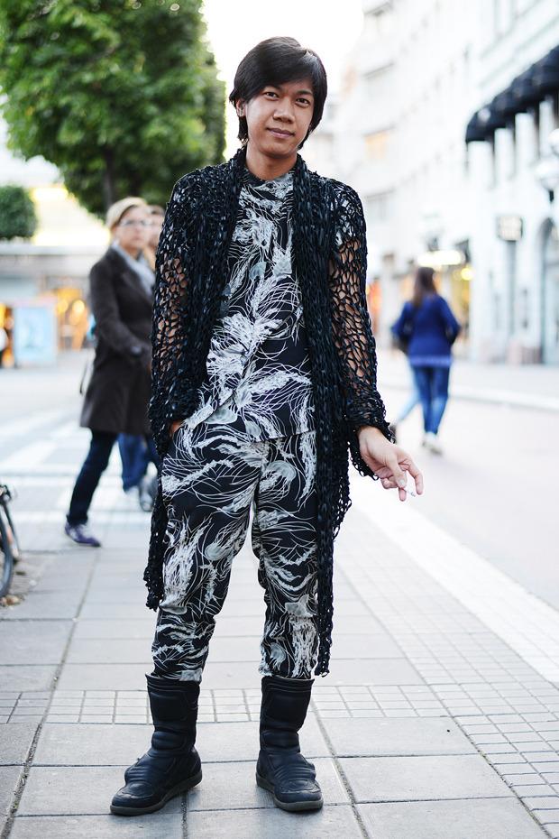 Парни в криперах и девушки в шортах на Неделе моды в Стокгольме . Изображение № 32.
