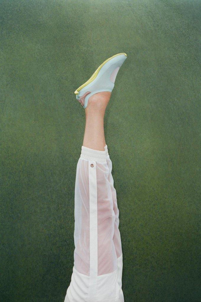 Стелла Маккартни показала новую коллекцию для Adidas. Изображение № 9.