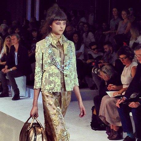 Главные показы  второго дня  Paris Fashion Week. Изображение № 8.