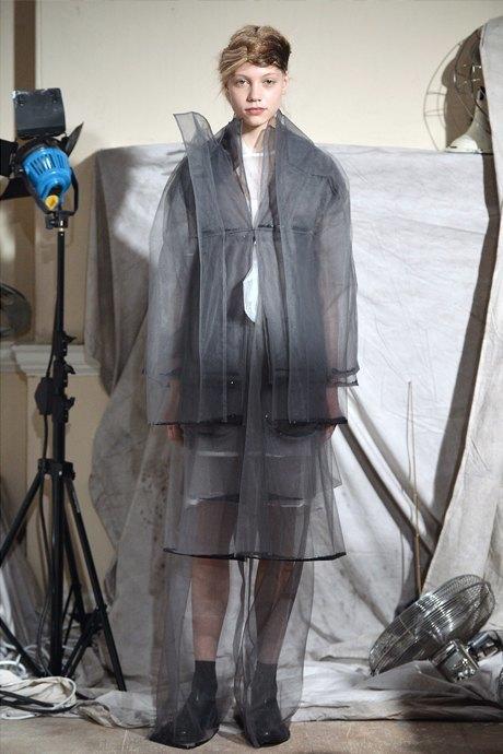 Всё видно: Почему прозрачные вещи не выходят из моды. Изображение № 4.