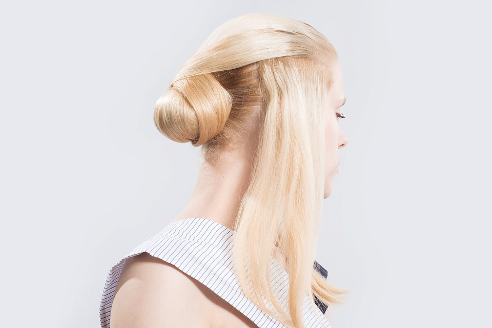 5 высоких летних причесок для длинных волос. Изображение № 23.