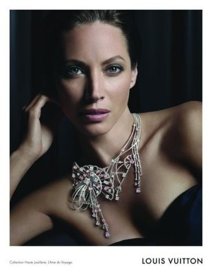Кристи Тарлингтон в рекламной кампании украшений Louis Vuitton FW 2011. Изображение № 47.
