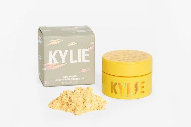 Коллекция Kylie Cosmetics, посвящённая дочери Кайли Дженнер. Изображение № 10.