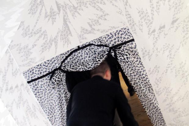 Дневник стилиста: Тесс Йопп о старушках, девочке-капкейк и облитой Джорджии Мэй Джаггер. Изображение № 51.